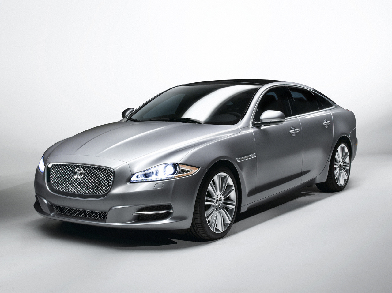 Jaguar Xj Wallpapers And Backgrounds