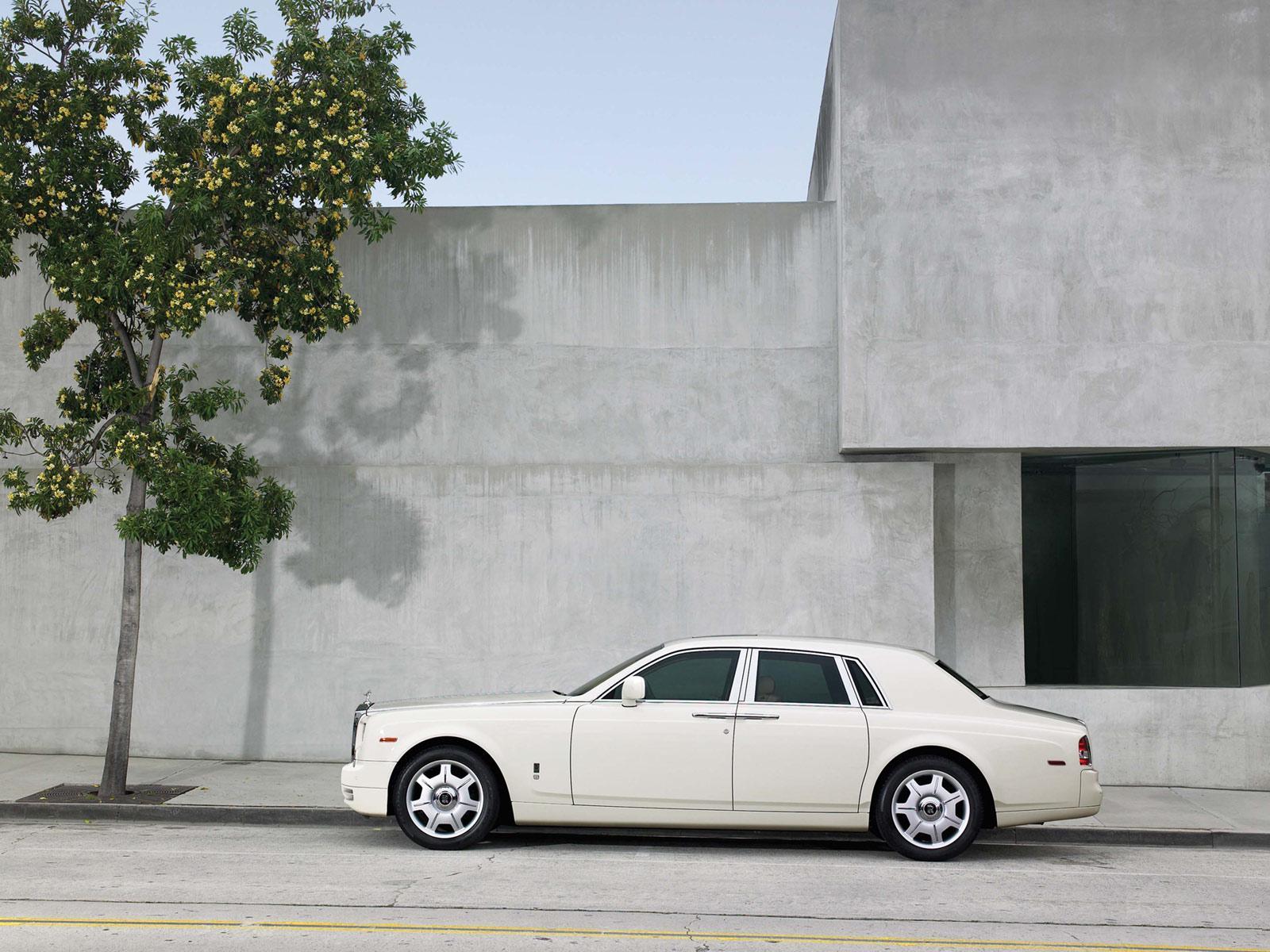 Rolls royce phantom wallpapers